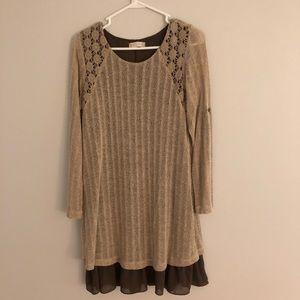 Tan / Brown long sleeved dress